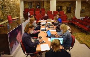 A Academia acolle unha escola de verán de alumnado de Kiel para traducir a Pardo Bazán